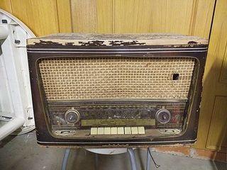 Radio antigua IBERIA. Para restaurar.