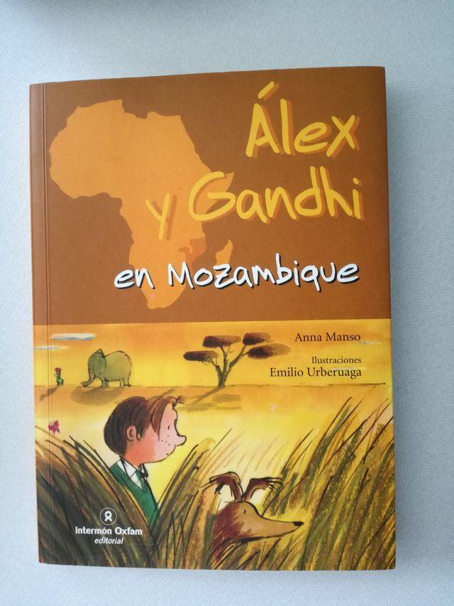 Álex y Gandhi en Mozambique