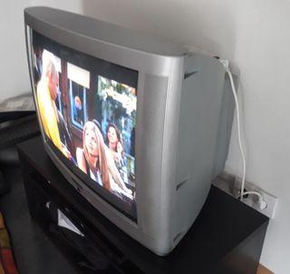 TV antigua CRT 27 pulgadas
