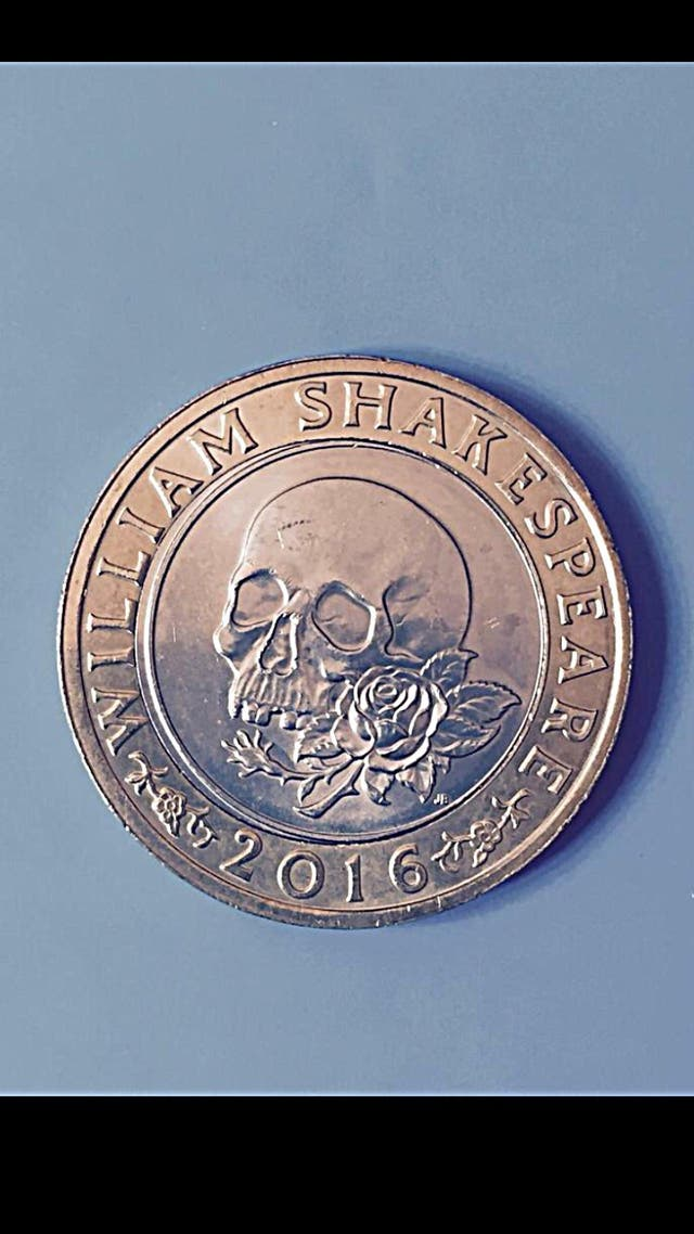 2 pound coin William Shakespeare rose skull