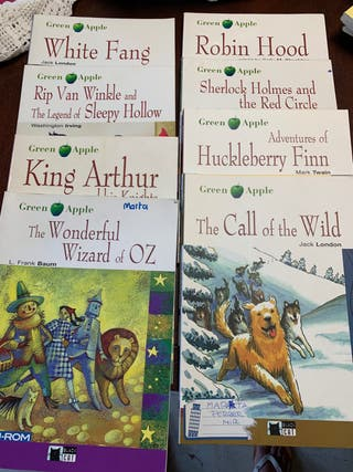 Varios libros Ed Black cat. Green Apple