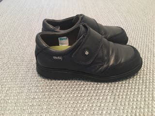 Zapatos escolares Gorila