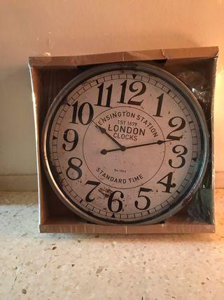 Reloj grande de pared