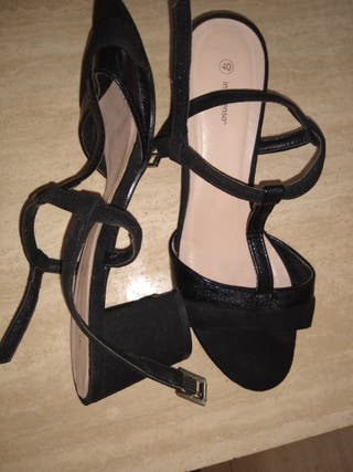 sandalias tacón medio