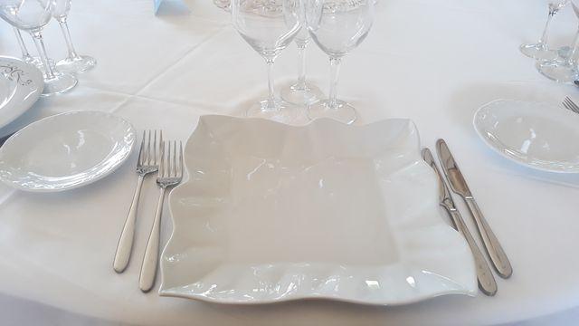 Platos y vajilla para restaurante