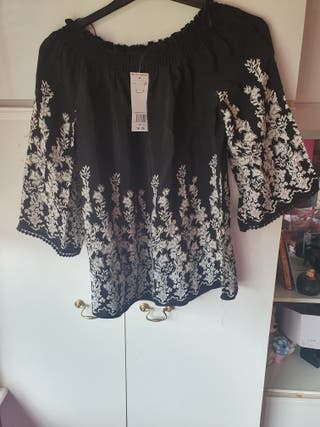 ladys top size 12 brand new