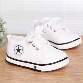 zapato zapatilla nuevas bebé talla 22