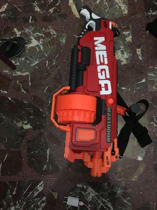 Pistola Megamastodon nerf