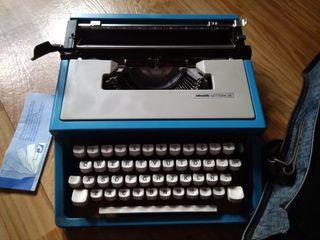 Maquina escribir. Olivetti Lettera 31