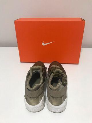 Nike Huarache cm 24,5- como nuevas/puestas 5 veces