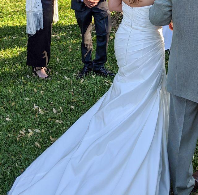 Vestido de novia en perfecto estado