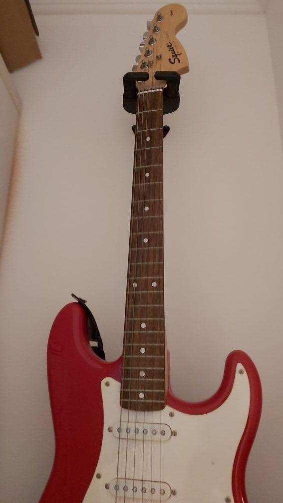 guitarra de Mark Knopfler Rojo y Blanco