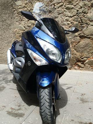 Moto Yamaha T-MAX 500