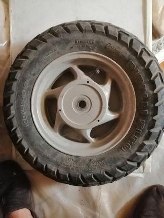 Rueda scooter 120/90 R10 57J pirelli