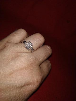 anillo plata vintage y circonita