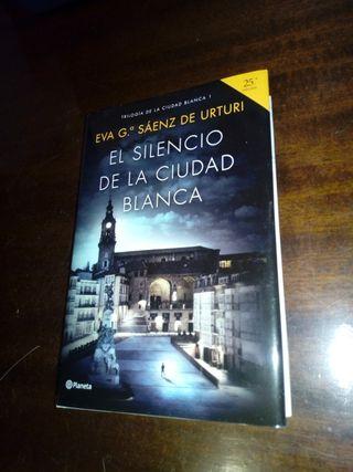EL SILENCIO DE LA CIUDAD BLANCA. Eva Gª Sáenz.