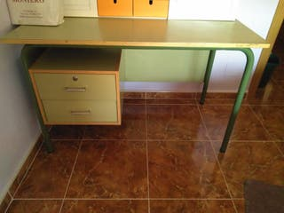 mesa y sillón despacho profesor
