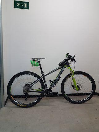 """Bicicleta 29"""" Cube LTD Race, talla M"""