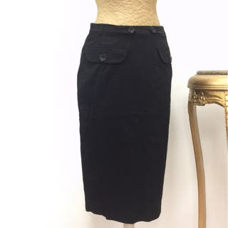 6d5ddc5a9 Falda negra de segunda mano en la provincia de Barcelona en WALLAPOP
