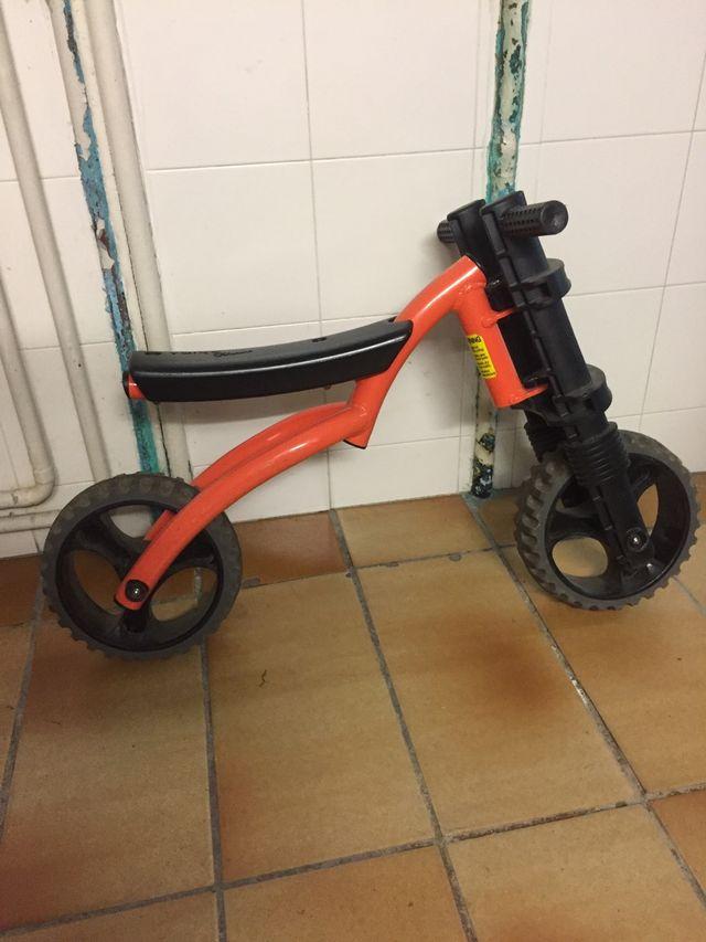 Bicicleta Ybike Extrem taronja.