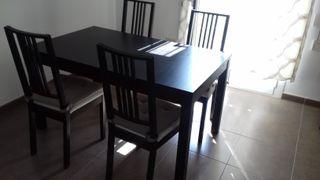 Mesa de comedor extensible BJURSTA (Ikea)