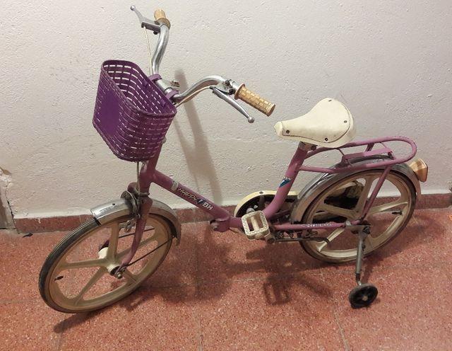bicicleta de niña con cesta