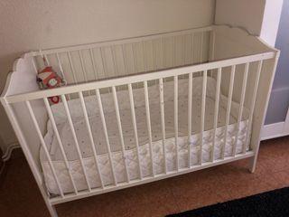 Cuna bebé Ikea blanca