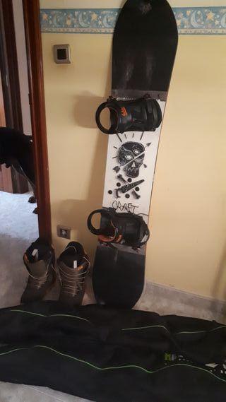 Tabla snow + fijaciones + botas muy poco uso.