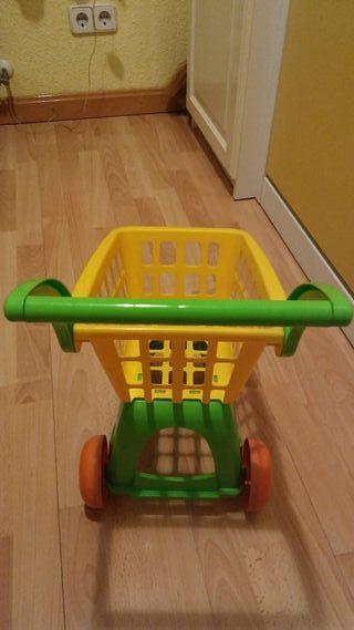 Carro compra juguete.