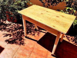 Mesa antigua cocina de segunda mano en Madrid en WALLAPOP
