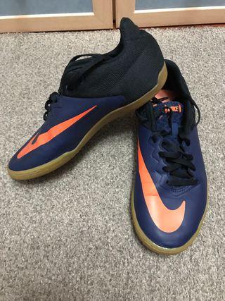 5a68cce73db Zapatillas Nike Negras de segunda mano en Valladolid en WALLAPOP