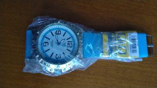 Varios relojes nuevos a pila