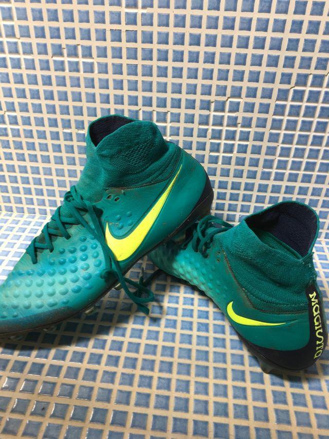 Botas Nike magista gama alta
