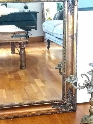 Espejo dorado envejecido