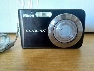 Cámara de fotos Nikon Coolpix S210.