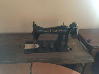 Dos maquinas coser