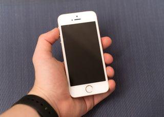 LIQUIDAMOS IPHONE SE 16GB SEMINUEVOS GARANTIA