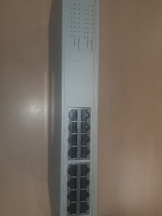 switch Alied Telesyn 16 puertos AT-GS900/16
