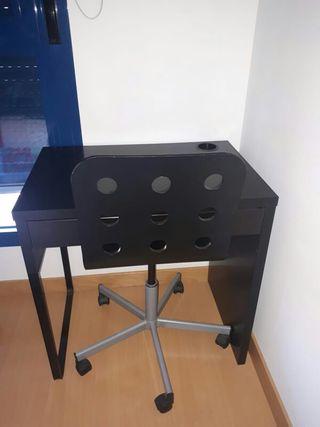Mesa escritorio y silla Ikea