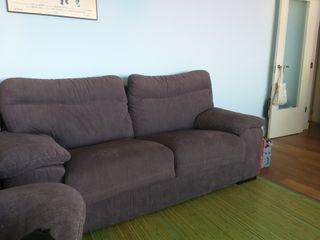 Dos sofás, de dos y tres plazas