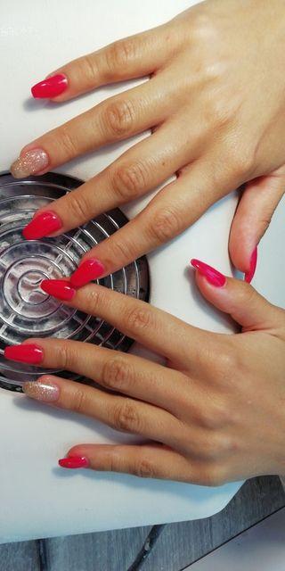 técnico en uñas