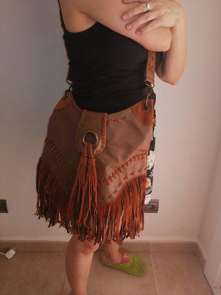 Bolso étnico marrón con flecos
