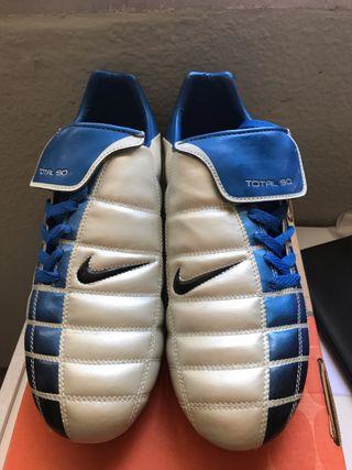 Botas de fútbol Nike nuevas