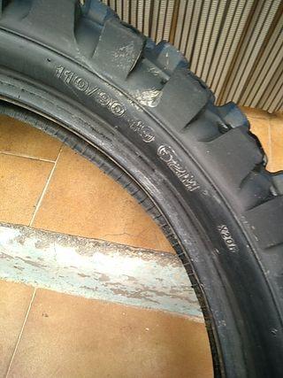 rueda trasera de moto cross