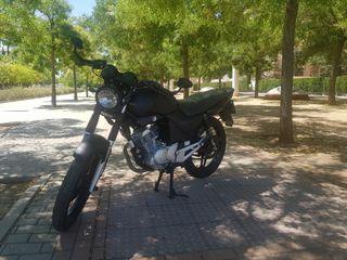 Yamaha YBR 125cc café racer