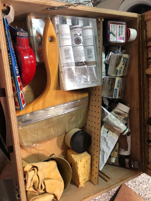 Caballete + maletín brochas y pinturas