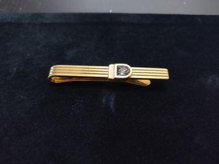 Pin de corbata dorado ST Dupont