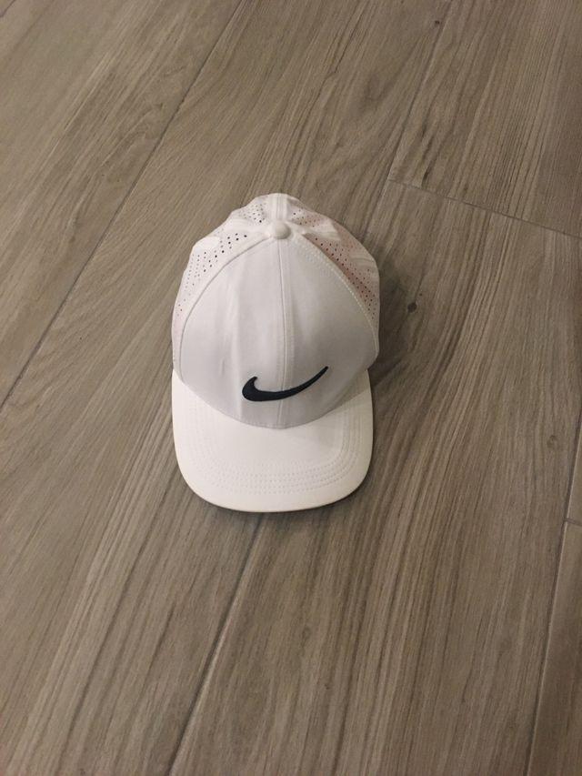 Gorra Nike nueva.