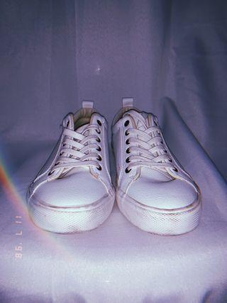 Zapatillas Blancas de segunda mano por 10 € en Getafe en