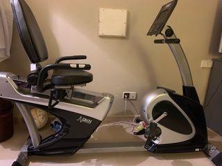 Bicicleta estática reclinada